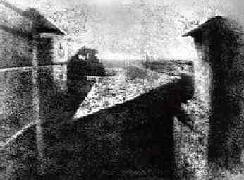 Foerste-Billede-1826-Joseph-Nicephore-Niepce.jpg